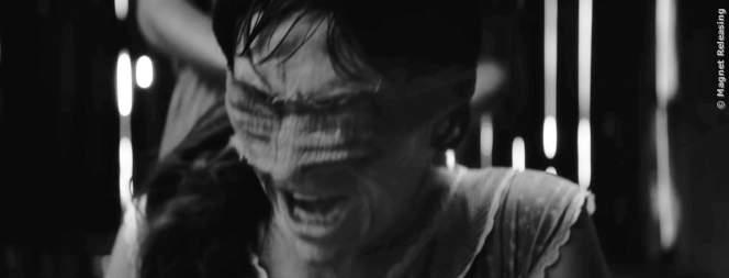 Szene aus dem Schwarz-Weiß Horrorfilm The Eyes Of My Mother