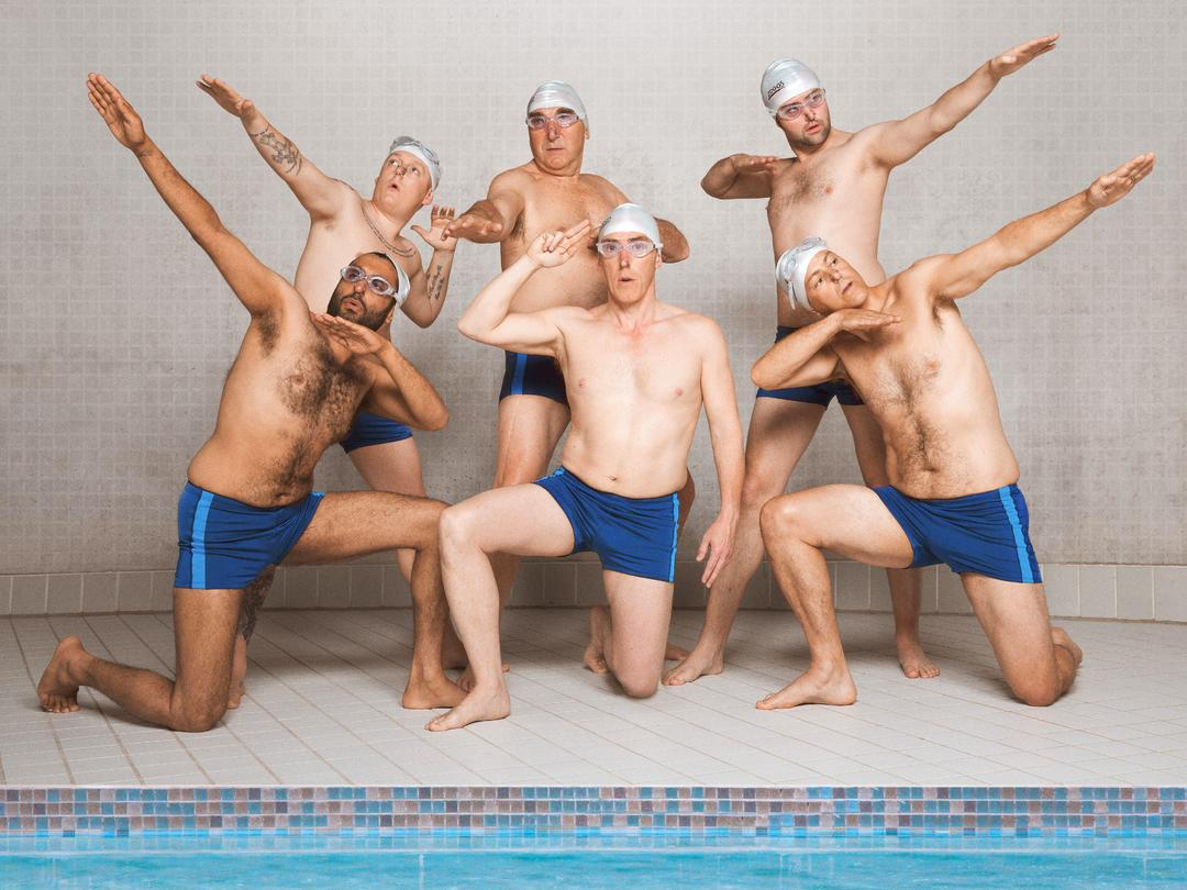 Swimming With  Men Trailer - Bild 1 von 7